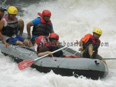 kasembon rafting malang, www.raftingkasembonmalang.com, 085 755 059 965