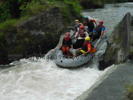 arung jeram di kasembon, www.raftingkasembonmalang.com, 085 755 059 965
